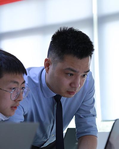 成都朗沃教育-成都IT培训机构15年,专注于成都Web前端培训,成都Web前端培训金牌讲师