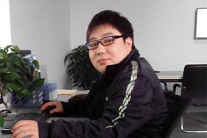 隆* 入职:5500  Web前端工程师